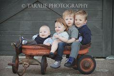 cousins, siblings, wagon, barn door, toddlers