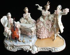 """The most famous Dresden figurines are the,""""crinoline' groups"""