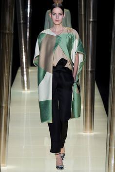 Armani Privé - Spring 2015 Couture - Look 13 of 69  Interesting juxtaposition of color, texture and pattern