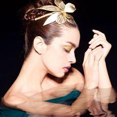 #evitaperoni #fashion #trend #тренд #мода #украшения #аксессуары #аксессуарыдляволос #шляпка #новыйгод #новогоднийобраз