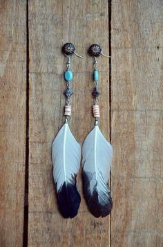 Eagle Dancer Feather Earrings – The Feather Junkie Feather Painting, Feather Art, Feather Jewelry, Feather Earrings, Beaded Earrings, Wire Jewelry, Boho Jewelry, Jewelry Crafts, Beaded Jewelry