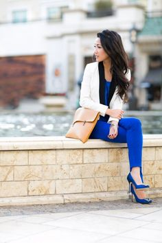 cobalt blue + oversized envelope purse, black & white blazer