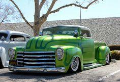 los boulevardos | starlite rod and kustom | Tumblr American Pickup Trucks, Vintage Pickup Trucks, Classic Chevy Trucks, Classic Cars, Chevy 3100, Chevy Pickups, Hot Rod Trucks, Cool Trucks, Custom Trucks