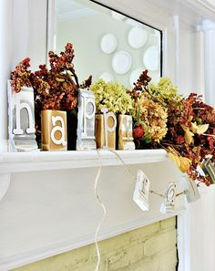 Make grocery store flowers look professional with these Frugal Fall Flowers tips and tricks from Inspired by Charm.