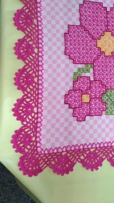 How to Crochet Wave Fan Edging Border Stitch Crochet Boarders, Crochet Edging Patterns, Crochet Lace Edging, Free Crochet, Quilt Patterns, Chicken Scratch Embroidery, Hand Embroidery Designs, Crochet Projects, Diy And Crafts