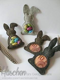 Bunny for the money gift ({Bellas} paper dreams)- Häschen fürs Geldgeschenk ({Bellas} Papierträume) Bunny for the money gift - Felt Diy, Felt Crafts, Easter Crafts, Rock Crafts, Thanksgiving Crafts, Clay Crafts, Don D'argent, Felt Bunny, Basket Decoration