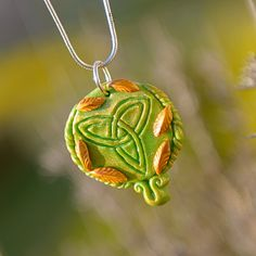 Golden Green Triquertra by CalmEnergy
