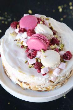 jäätelökakku kaikilla mausteilla & viikonloppukuulumisia - Vaaleanpunainen hirsitalo Cheesecake, Photoshoot, Birthday, Desserts, Recipes, Food, Tailgate Desserts, Birthdays, Deserts