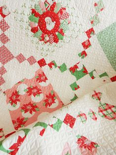 Pot Luck Quilt in Swell Christmas fabrics with pattern available in paper and PDF Christmas Tree Quilt, Christmas Quilt Patterns, Christmas Sewing, Christmas Fabric, Christmas Projects, Christmas Quilting, Purple Christmas, Christmas Pillow, Dresden Quilt