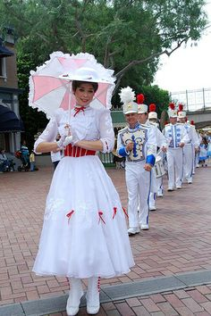 Mary Poppins in Disneyland