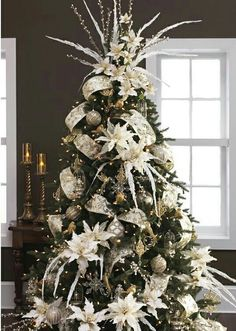 All white Christmas tree theme