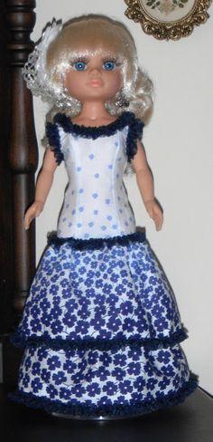 Vestido de flamenca para Nancy New. Contiene patrones.