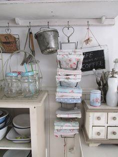 Deckelhalter als Regal für Küchentücher