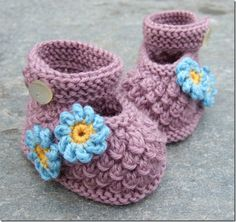 Knitting Pattern For Baby Girl Shoes : 1000+ images about knitting patterns - baby shoes on Pinterest Baby booties...