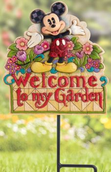 Mickey Garden - so want this - would look good with my OSU/Mickey/Frog collections :D