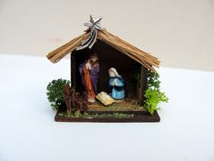 Discover how to make this traditional nativity scene in the Jan14 Dolls House and Miniature Scene available online at http://www.dollshousemag.co.uk