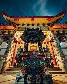 That night in Chinatown, DTLA. City Lights At Night, Night Light, Gas Lights, Wander, Ocean, Street, Instagram Posts, The Ocean, Walkway