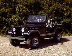 Jeep my Laredo is a 83 just like this one but w chrome grill 4 inch lift miles I call her the girl. And she's perfect Cj Jeep, Jeep Cj7, Jeep Wranglers, Jeep Brand, Shes Perfect, Jeep Accessories, Sweet Cars, Classic Trucks, Lifted Trucks