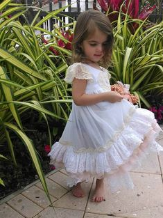 Short Sleeved vintage lace nightgown flower girl gift Day