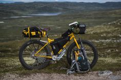 A yellow Surly Pugsley did the duties for yours truly. Please note the matching packraft and paddle. Touring Bicycles, Touring Bike, Cross Country, 20 Inch Bike, Mtb, Bike Trails, Biking, Cafe Racer Build, Cargo Bike