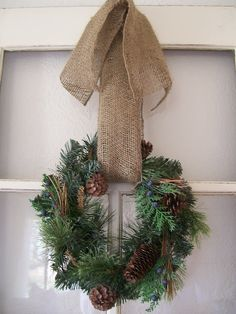 Easy Christmas Wreath with burlap