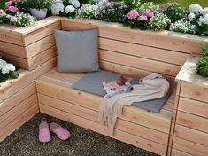 "Garten toom Kreativwerkstatt - Hochbeet ""Sonnenplatz"" Are You Present With Your Children? Diy Outdoor Furniture, Outdoor Decor, Furniture Ideas, Deck Furniture, Modern Furniture, Diy Projects For Beginners, Creative Workshop, Raised Beds, Garden Beds"
