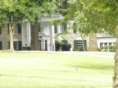 {*Elvis's home Graceland, Memphis, Tennessee*}