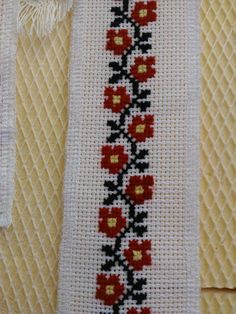 Hand Embroidery Design Patterns, Pattern Design, Cross Stitch, Quilts, Blanket, Crochet, Diy And Crafts, Cross Stitch Samplers, Towels