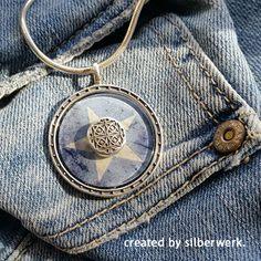 Blue Star ... Mit deiner Lieblingsjeans oder leichter Lederjacke - ein cooles Accessoire zu vielen casual Outfits! Entdecke mehr auf www.silberwerk.de