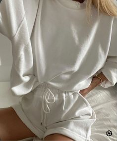 Lazy Outfits, Cute Comfy Outfits, Mode Outfits, Comfortable Outfits, Fashion Outfits, Lounge Outfit, Lounge Wear, Lounge Clothes, Athleisure Shoes