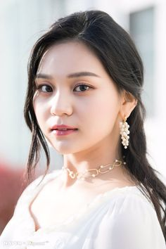 Photo album containing 10 pictures of Umji Kpop Girl Groups, Korean Girl Groups, Kpop Girls, Extended Play, Sunrise Music, Gfriend Album, Kim Ye Won, Gfriend Sowon, Cloud Dancer