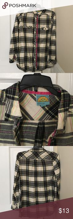 """C&C California plaid flannel top XS C&C California plaid super soft flannel top in cream, black & pink. Some pilling. 34"""" bust, 26"""" length, 23"""" sleeve length, roll up sleeve with button closure. Extra button included. Comes from smoke/pet-free home. C&C California Tops Button Down Shirts"""