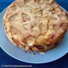 This is the best Russian Apple Cake recipe. It's light, fluffy, moist and delicious. Not an apple pie, but a cake sprinkled with cinnamon sugar - Rita's Sharlotka Apple Cake (Шарлотка) Russian Apple Cake Recipe, Apple Cake Recipes, Apple Desserts, Köstliche Desserts, Baking Recipes, Dessert Recipes, Russian Recipes, Russian Cakes, Coffee Cake