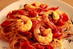 Christmas Food from Around the World Italian Pasta Recipes, Italian Dishes, Italian Food Names, Italy Food, Food Wallpaper, Different Recipes, Brunch Recipes, Pasta Dishes, Good Food
