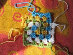 Spiral granny square tutorial.  It never occurred to me to do a spiral granny square.  I'll have to try it.