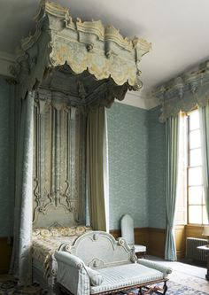 Belton House ~ blue & white mix in this Blue Bedroom which was used in Colin Firth's Pride & Prejudice