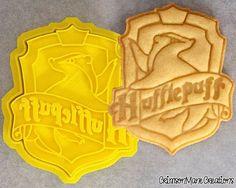 Harry Potter Hogwarts Hufflepuff Crest Cookie Cutter