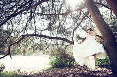 fairytail wedding picture photografy fairytail white roses biedermeier wedding bouquet Wedding Bouquets, Wedding Dresses, Fairytail, White Roses, Wedding Pictures, Bride Dresses, Bridal Gowns, Wedding Brooch Bouquets, Bridal Bouquets