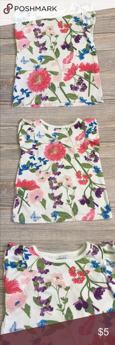 Floral Flutter Sleeve Tee Crazy 8 Floral Tee.  Flutter sleeves.  Excellent condition.  Smoke free/pet free home. Crazy8 Shirts & Tops Tees - Short Sleeve