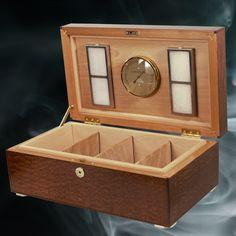 Custom Desktop Humidor  #timber #carpenter  #craftsman #woodworkingtools #woodturning #woodworker #combjoint #customwoodwork #humidor #cigarhumidor #woodbox #woodenbox #customhumidor