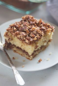 This Sour Cream Coffee Cake is not only incredibly EASY to make, it's absolutely delicious! A tender crumb cake with cinnamon pecan topping. You wont be able to stop at just one piece. Food Cakes, Cupcake Cakes, Snack Cakes, Cupcakes, Cake Recipes, Dessert Recipes, Brunch Recipes, Sour Cream Coffee Cake, Coffee Cream
