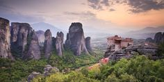 Meet Meteora: The Monasteries In The Sky. UNESCO World Heritage Site, Meteora is located in Greece's Plain of Thessaly, about four hours from Athens. My Athens, Portugal, Greece Holiday, Stock Foto, Travel Goals, Travel Plan, Day Tours, Pilgrimage, World Heritage Sites