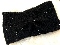 Un bandeau en tricot pour Noël, voilà une chouette idée.