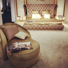 #Turri #classic #style #bedroom #living #armchir #bed #MOAmericas15 #Miami #MO15 #interior #design #trend