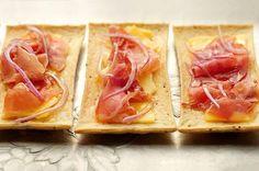 honey prosciutto flat bread appetizer - yumm