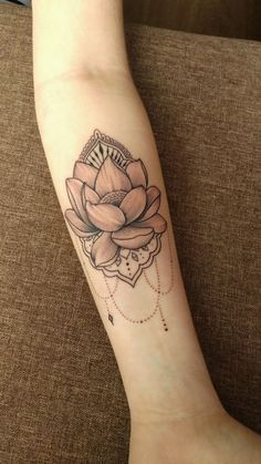 Tattoos lotos