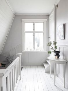 Shabby Chic Furniture Archives - Cute Home Designs Cottage Interiors, Cottage Homes, Interior Design Advice, Interior Decorating, Interior Stylist, Scandinavian Home, White Houses, White Decor, Shabby Chic Furniture