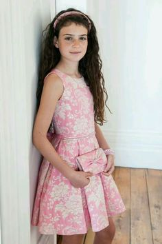 Our pink dream prom dress for girls with a contrasting floral print is this seasons wardrobe staple and is perfect when your girl needs to make a statement. Girls Designer Dresses, Prom Girl Dresses, Elegant Prom Dresses, Little Girl Dresses, Dresses For Teens, Cute Dresses, Evening Dresses, Little Girl Fashion, Kids Fashion