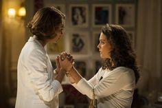 'Sangue': Socorro tenta matar Giane e culpa Amora, que vai presa | Folhetim - Yahoo TV