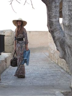 Hippie-Love this dress and hat!